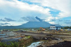 TUGADE ASSURES COMPLETION OF CONSTRUCTION WORKS OF BICOL INT'L AIRPORT